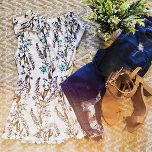 4 for $32 Spring floral blouse